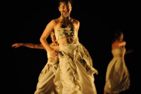 black milk- ohadnaharin- batsheva dance company