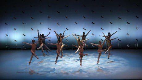 biarritz ballet, cinderela' group in the air, ph. olivier Houeix
